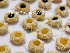 Resep Blueberry Lemon Thumbprint Cookies with Cheese Super nagih oleh Tintin Rayner - Cookpad Thumbprint Cookies, Spritz Cookies, Cake Cookies, Recipe Steps, Blueberry, Christmas Cookies, Doughnut, Nutella, Cookie Recipes