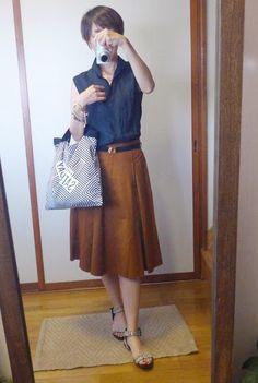 8月20日 ZARAミノレ丈スカートとUNIQLOリネンシャツで秋色CD