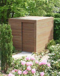 Gartenhäuschen mit Holzverkleidung bei FMH - [SCHÖNER WOHNEN]