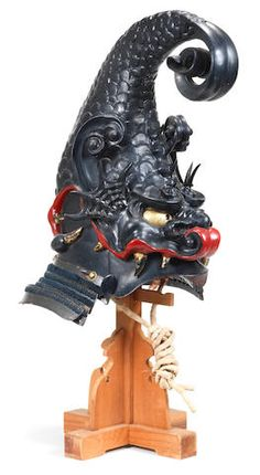 A kawari kabuto (helmet) Edo period century Samurai Helmet, Samurai Weapons, Helmet Armor, Samurai Armor, Elmo, Real Samurai, Japanese Ornaments, Samourai Tattoo, Dragon Fish