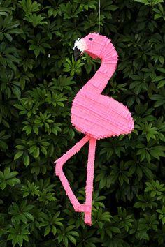 #DIY Flamingo #Piñata