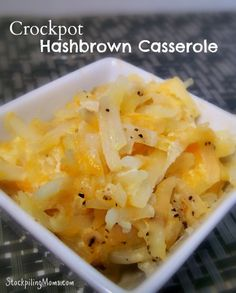 You will love this easy Crockpot Hashbrown Casserole side dish made in the slow cooker! Tastes just like Cracker Barrel!good but not quite like Cracker Barrel Crock Pot Food, Crockpot Dishes, Crock Pot Slow Cooker, Slow Cooker Recipes, Cooking Recipes, Potatoes Crockpot, Crock Pot Cheesy Potatoes, Crockpot Meals, Crock Pots