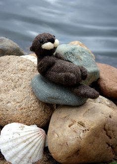 lil fish studios: an otter class - a needle felted otter