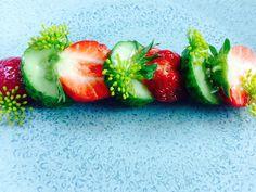 Alain Passard @ArpegeLive · Gros cornichons amers, fraises et fleur de fenouil