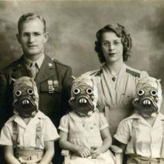 The Raider Family, 1941 - so creepy Scary Photos, Creepy Pictures, Strange Photos, Odd Pictures, Creepy Images, Vintage Halloween Photos, Vintage Photos, Vintage Photographs, Strange Family