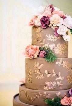 Inspirador e lindo o acabamento desse bolo!