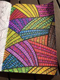 The only real & # Coloring book for Adults & # - Girlscene Forum Het enige echte & voor Volwassenen& - Girlscene Forum The only real & # Coloring book for Adults & # - Girlscene Forum Doodle Art Drawing, Zentangle Drawings, Mandala Drawing, Zentangle Patterns, Art Drawings Sketches, Zentangles, Mandala Art Lesson, Drawing Ideas, Sharpie Drawings