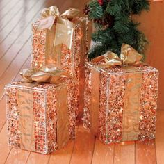 Gold Beaded Lighted Christmas Presents