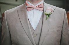 Pink bow tie for the groom