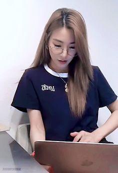 Tiffany <3 Tiffany Girls, Snsd Tiffany, Tiffany Hwang, Girls' Generation Tiffany, Girls Generation, South Korean Girls, Korean Girl Groups, My Girl, Cool Girl