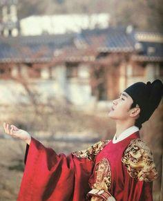 Lee Hwon #KimSooHyun #김수현