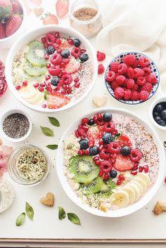 almond strawberry protein smoothie bowl