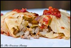Clean Eating Cabbage Rolls - I may try as a 'layered' dish. Layer of cabbage/meat/sauce. Clean Eating Recipes, Healthy Eating, Healthy Recipes, Eating Clean, Healthy Foods, Diet Foods, Detox Recipes, Healthy Dinners, Healthy Options