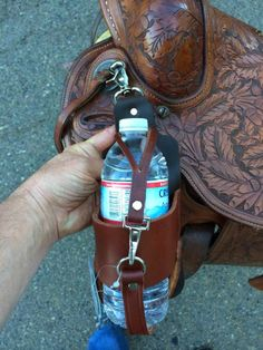 Buckaroo Leather Horse Tack, Use, Care and Maintenance: New Leather Saddle Accessories Western Horse Tack, Western Saddles, Horse Barns, Horse Tack Rooms, Western Saddle Pads, Trail Saddle, Western Riding, Horse Horse, Horse Stalls
