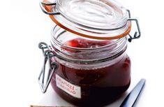 Snabb krusbärsmarmelad med röda krusbär Tasty, Yummy Food, Food Inspiration, Mason Jars, Vanilj, Tableware, Dinnerware, Delicious Food, Tablewares