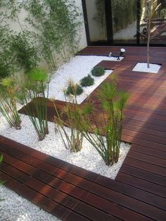 Composite floor in London Back Gardens, Small Gardens, Outdoor Gardens, Backyard Patio Designs, Backyard Landscaping, Landscape Design, Garden Design, Interior Garden, Terrace Garden