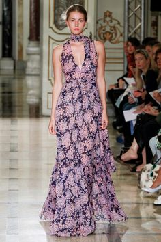 Luisa Beccaria Spring 2016 Ready-to-Wear Fashion Show Fashion Brands, Fashion Show, Luisa Beccaria, Evening Dresses, Formal Dresses, Spring 2016, Ready To Wear, Vogue, Runway