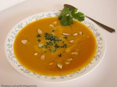 Ginger & Garlic: Curried roasted butternut squash soup