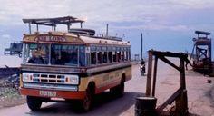 Xe đò Dodge 1970 tuyến đường Saigon Cần Thơ Rạch Giá.