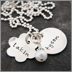 """Necklace """"Flower and Circle with Pearl"""" by  the Vintage Chain"""