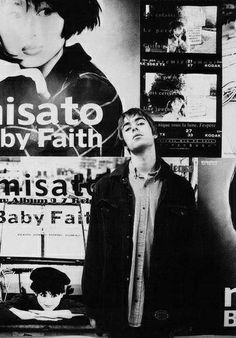 Oasis - Let's All Make Believe Is anyone here prepared to say Just what they mean or is it too late? For anyone here to try to do Just what it takes to get t. Liam Gallagher, Oasis Band, Liam Oasis, Liam And Noel, Black And White Photo Wall, Britpop, Portraits, Wonderwall, Classic Rock