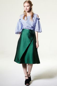 Laura Satin Skirt Discover the latest fashion trends online at storets.com