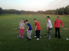 The children of Gems Westminster are having a great time learning Golf! #golfdxb #mydubai #golfdigestme #golflessons #thetrackmeydangolf #arabiangolftv #golfdigestme #callawaygolf