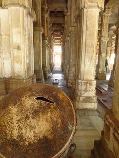 Sarkhej Rosa, Ahmedabad, Gujarat, India  www.happywomentravel.com https://www.facebook.com/Podroze.spodnicy.teraz.Indie