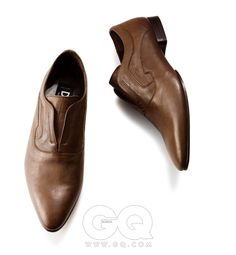 Chaussures en cuir  D & G.