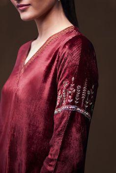 mela-rajwada-silk-velvet-kurta Source by goodearthindia clothes traditional Embroidery Suits Punjabi, Embroidery Suits Design, Embroidery Fashion, Embroidery Dress, Embroidery Designs, Kurta Designs, Blouse Designs, Indian Designer Outfits, Designer Dresses