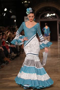 Wappíssima - We Love Flamenco 2016 - Lola Azahares - Flamenco Costume, Belly Dance Costumes, Flamenco Dresses, Forever Young, Glamour, Skirts, Edwardian Dress, Beauty, Color