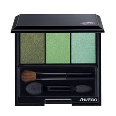 "Our Luminizing Satin Eye Color Trio in Jungle (GR305) earned a spot in @Barbara Moreno Mujer 's list of The 50 Best Beauty Products of 2014!   ""These palettes come in a variety of colors and tones for blending. We were instantly attracted to the beautiful greens."""