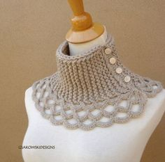 Virginia- Wool Scarflette-Linen No pattern, but the neck looks like stockenette (knit every row) and the lacy trim looks like icords. Crochet Diy, Col Crochet, Poncho Au Crochet, Crochet Collar, Crochet Woman, Crochet Scarves, Crochet Clothes, Crochet Stitches, Knitting Patterns