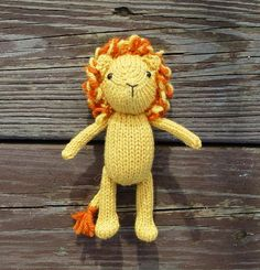 Knit a lovable lion for your little one with this #DIY pattern. #etsykids