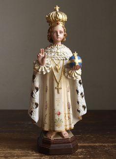 Etsy のThe Infant Jesus of Prague Antique Religious Statues Young Jesus Vintage Figure Catholic Crafts, Catholic Art, Jesus Our Savior, Jesus Christ, Religious Icons, Religious Art, Sto Nino, Infant Of Prague, Mama Mary