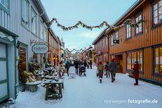 Fotografie vom Weihnachtsmarkt in der Unesco Stadt Røros Street View, Travel, Norway, City, Destinations, Viajes, Traveling, Trips