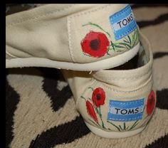 floral painted toms
