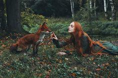 焦熱のフォックスと対に赤毛の夢のような肖像画 - マイ現代メット