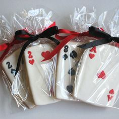 playing card cookies - Brooke Berger, these are for you! Las Vegas Party, Vegas Theme, Casino Night Party, Casino Party Decorations, Casino Theme Parties, Party Themes, Party Ideas, Themed Parties, Alice In Wonderland Tea Party Birthday