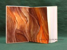 ...e Musardises d'Hippocrène, il lavoro è completato!  #legatoria #legatoriaviali #viterbo #rilegature #bookbinding #bookbinder #rilegatura #artesan #artigianato #artigiano #italie #italia #rilegare #libri #books #artigianatoartistico #rilegatore #igersitalia #igersviterbo #tuscia #montaigne #saggi #libro #incisione #punzoni #fattoamano #handmade