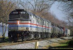 RailPictures.Net Photo: AMTK 385 Amtrak EMD F40PH at Louisville, Kentucky by Joe Vittitoe