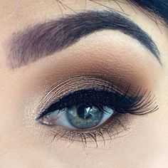 Tiarni Staples (_tiarni_) used Uninterrupted pro long wear eyeshadow by Mac and Blondes Gold pigment with maybeline gel liner.