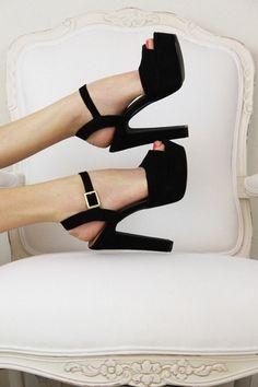 Fabulous Slingback Peep-toe Platform Black Heels.