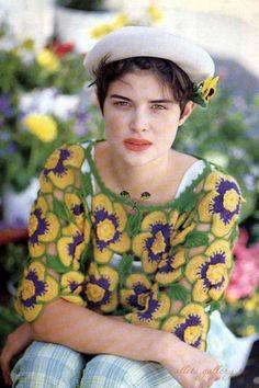 crochelinhasagulhas: Blusa com amor perfeito em crochê
