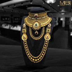 Bridal polki and gold necklace along with rubies & emeralds. #MBj #Luxury #Desirable #Bridal #Traditional #JewelleryLove #Necklace