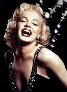 Marilyn Monroe photoshoots by Frank Powolny in 1952