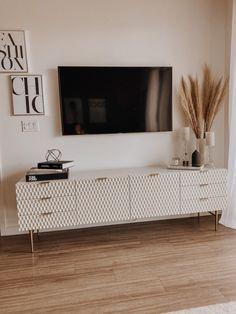 Decor Home Living Room, Living Room Tv, Apartment Living, Home And Living, Living Room Designs, Living Room Ideas With Tv, Home Decor, Living Room Decor Around Tv, Neutral Living Rooms