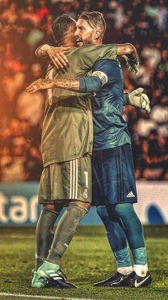 Navas and Ramos Real Madrid Team, Real Madrid Football Club, Real Madrid Players, Football Love, Liverpool You'll Never Walk Alone, Bale Real, Football Wallpaper, Goalkeeper, Courses