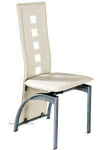 Scaunul  BUC 131 este unul clasic  dar in permanenta actualitate ce se poate utiliza cu foarte mare usurinta in combinatie cu mobilier din metal, lemn sau sticlă. BUC 131 este tapitat cu piele ecologica si are picioarele metalice mate. Recomandat pentru ca are spatarul foarte inalt, respectiv 58 cm, un produs ce poate fi utilizat pentru destinatii multiple, cum ar fi loc de luat masa, zone de mic dejun sau ca un scaun pentru oaspeti. Dining Chairs, Furniture, Home Decor, Decoration Home, Room Decor, Dining Chair, Home Furnishings, Home Interior Design, Dining Table Chairs