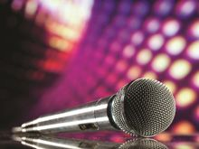Live entertainment while you dine!